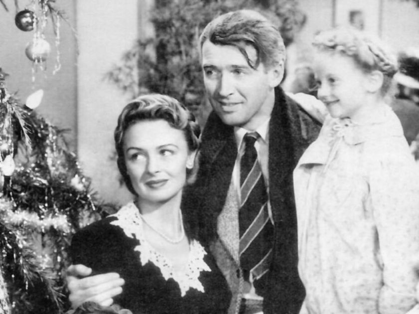 donna_reed_jimmy_stewart_karolyn_grimes_its_a_wonderful_life_photo_national_telefilms_associates_public_domain_via_wikimedia_commonsjpg